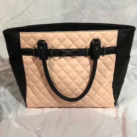 Icing Handbags - Black and pink quilted patten purse